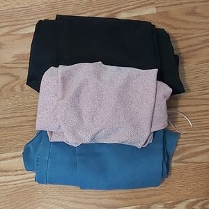 2 pairs of pull on jeggings with a free shirt